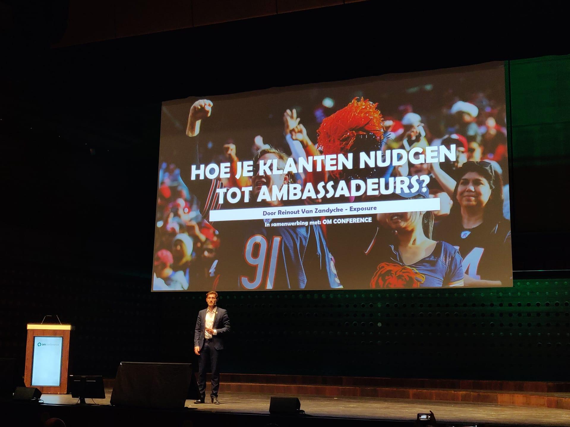 presentatie over klanten nudgen tot ambassadeurs