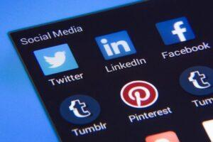 Online politieke communicatie tussen N-VA en Open VLD
